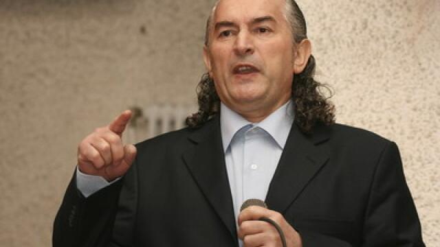 Miron Cozma ameninta cu procese dupa ce fiul sau a fost tinut timp de 5 ore la audieri
