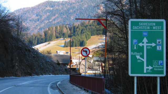 Sase morti si 16 raniti, intr-un accident rutier produs langa Viena