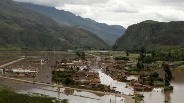 Puhoaiele au ucis sapte persoane in Mexic, in ultimele ore