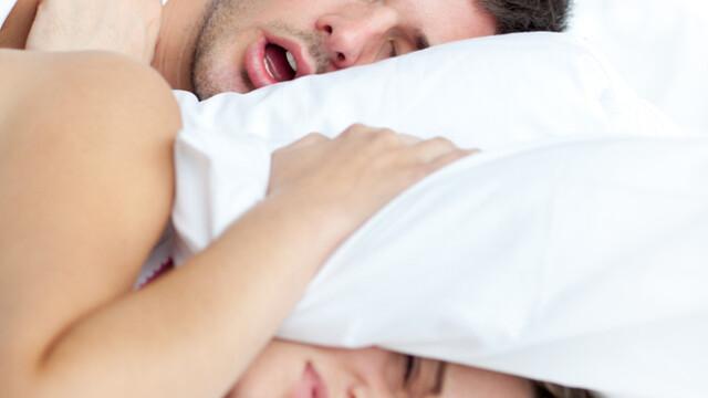 Un barbat si-a ucis iubita in timp ce dormea adanc. Cea mai bizara poveste de care ai auzit vreodata
