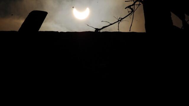 Prima eclipsa partiala de soare din 2011 a durat trei ore. VIDEO si FOTO! - Imaginea 8