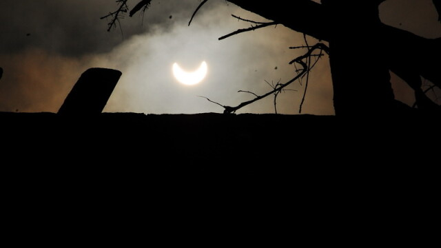 Prima eclipsa partiala de soare din 2011 a durat trei ore. VIDEO si FOTO! - Imaginea 9