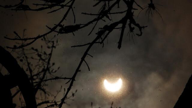 Prima eclipsa partiala de soare din 2011 a durat trei ore. VIDEO si FOTO! - Imaginea 13