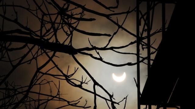 Prima eclipsa partiala de soare din 2011 a durat trei ore. VIDEO si FOTO! - Imaginea 19