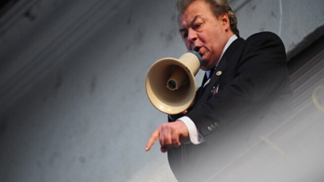 Corneliu Vadim Tudor va fi cercetat penal de Parchetul General