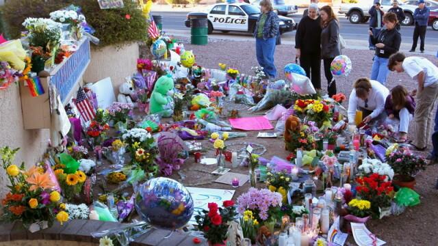 Detaliile ororii din Arizona: o femeie s-a aruncat peste asasin - Imaginea 2