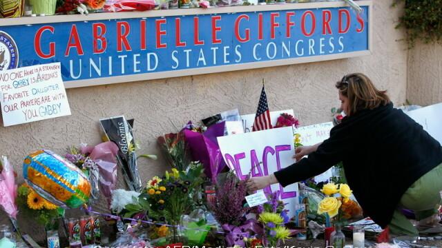Detaliile ororii din Arizona: o femeie s-a aruncat peste asasin - Imaginea 5