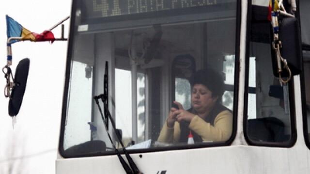 Pieton lovit de un tramvai, în Capitală. Circulația liniei 41, spre Casa Presei, este blocată