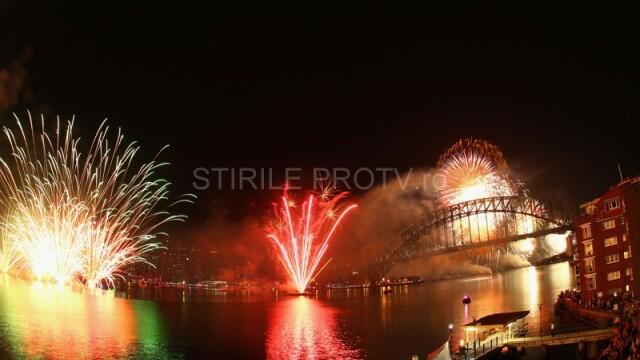 Adio, 2011, bun venit, 2012! Spectacolul de Revelion de pe diferite continente, in imagini uimitoare - Imaginea 6