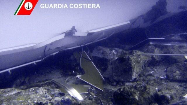 Paza de coasta italiana publica imagini in premiera cu vasul Costa Concordia sub apa. GALERIE FOTO - Imaginea 9