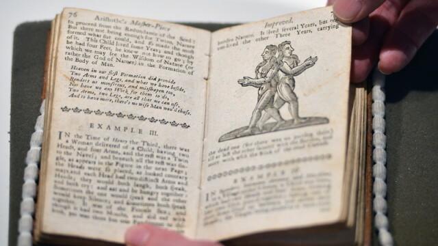 FOTO. Carte erotica din secolul al XVIII-lea, interzisa 200 de ani, va fi scoasa la licitatie - Imaginea 1