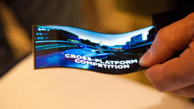 Samsung prezinta display-ul flexibil pentru telefoane si tablete. VIDEO
