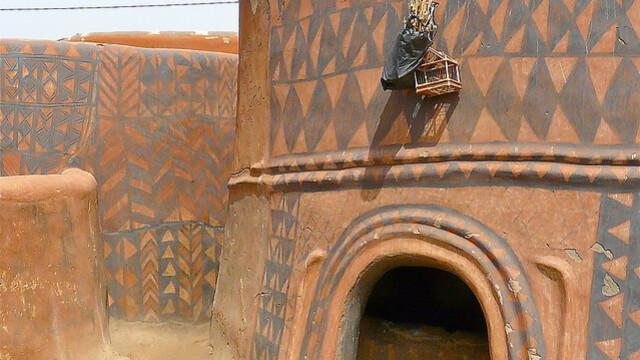 Galerie FOTO. Frumusetea unica a unui sat sarac, uitat de lume in savana africana - Imaginea 3