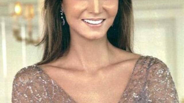 Este mama unui celebru artist si una dintre cele mai frumoase femei din Spania, in ciuda varstei - Imaginea 3