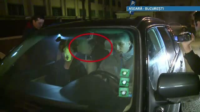 Asistentul lui Botezatu a fost eliberat din arest. Designer-ul l-a asteptat ascuns in masina