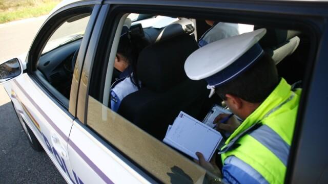 Grav accident rutier in Hunedoara. Un mort, dupa ce un TIR a intrat in plin intr-o masina: traficul pe DN7, blocat