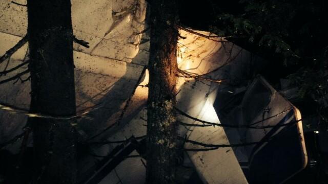 Salvatorii au primit COORDONATE GRESITE. Imagini care arata de ce Adrian Iovan a ramas blocat intre ramasitele avionului - Imaginea 4