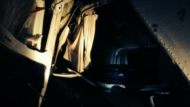 Salvatorii au primit COORDONATE GRESITE. Imagini care arata de ce Adrian Iovan a ramas blocat intre ramasitele avionului - Imaginea 2
