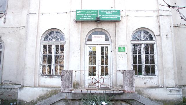 Cladirea in care functioneaza Clinica de Recuperare si Balneologie ramane a Primariei, dupa ce fusese retrocedata