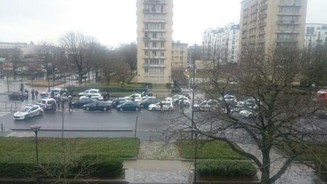 TRAGEDIE IN PARIS. Atacatorul si 4 ostatici, ucisi in asaltul de la supermarket. 4 oameni in stare grava, complicele a fugit - Imaginea 1