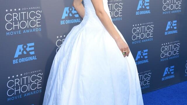 Angelina Jolie si-a eclipsat colegele de breasla la gala Critics Choice Movie Awards. Cum a aparut Jennifer Aniston. FOTO - Imaginea 4