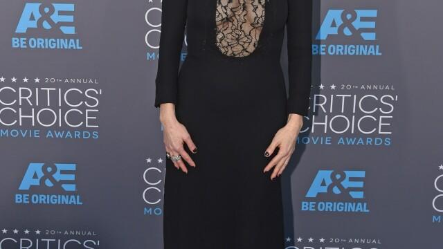 Angelina Jolie si-a eclipsat colegele de breasla la gala Critics Choice Movie Awards. Cum a aparut Jennifer Aniston. FOTO - Imaginea 5