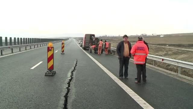 Nesfarsita poveste a gropilor de pe Autostrada Sibiu - Orastie. Imaginile unui esec de proportii: a patra serie de reparatii