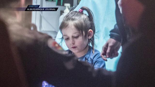 O fetita de 3 ani disparuta, gasita in miezul noptii intr-o parcare goala. Ce au descoperit politistii cand au ajuns acolo