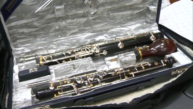 Patru instrumente valoroase, furate de pe aeroportul din Berlin, au fost recuperate in Romania. Cat cereau 2 romani pe ele
