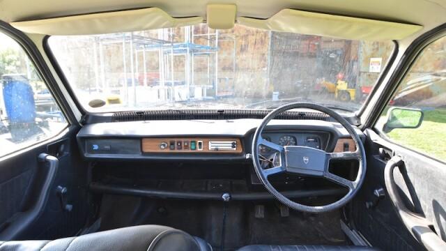 Legea care ar putea interzice soferilor sa conduca in Romania masini cu volanul pe dreapta. Cum pot obtine acest drept