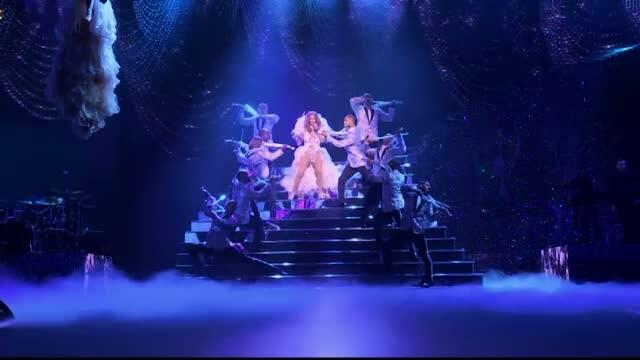 La 46 de ani, Jennifer Lopez si-a impresionat fanii cu forma sa fizica. Cati bani primeste pentru fiecare concert
