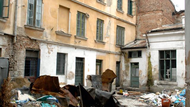 Locul unde s-a infaptuit Unirea Principatelor Romane, ajuns in paragina. Istoria zilei de 24 ianuarie 1859. GALERIE FOTO