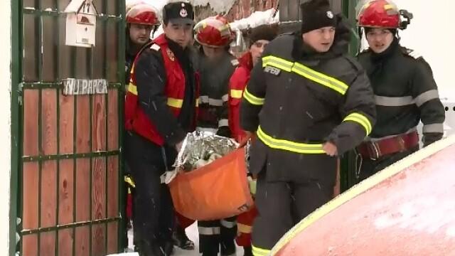 Un barbat din Capitala a murit, iar sotia si fratele acesteia au fost salvati dupa ce s-au intoxicat cu monoxid de carbon