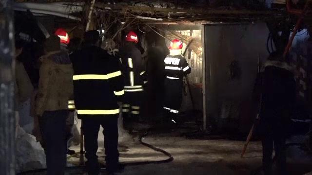 Patru case din zona Aparatorii Patriei din Capitala au luat foc