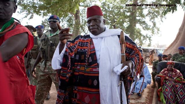 Situatie tensionata in Gambia. Presedintele Yahya Jammeh, care a pierdut alegerile prezidentiale, refuza sa plece din functie