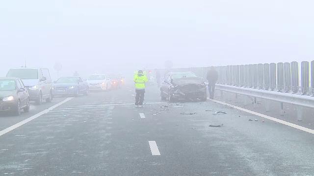 Accident in lant pe autostrada Arad-Nadlac in apropiere de vama: trei masini s-au ciocnit puternic