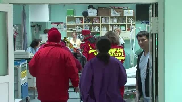 Tanara in stare grava la spital, dupa ce o sticla cu benzina a explodat in casa. Ce incerca iubitul ei sa faca