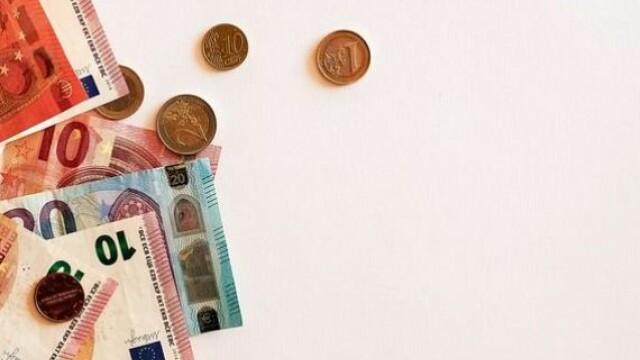 Leul pierde teren în fața euro. Cursul BNR, aproape de maximul istoric de la finele anului trecut