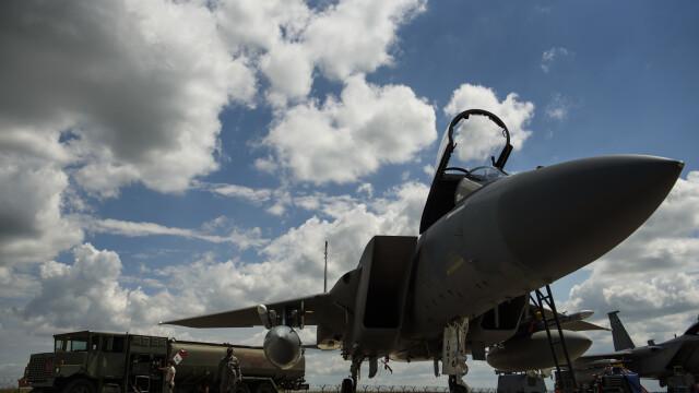 avion F-15 Eagle la baza de la Campia Turzii