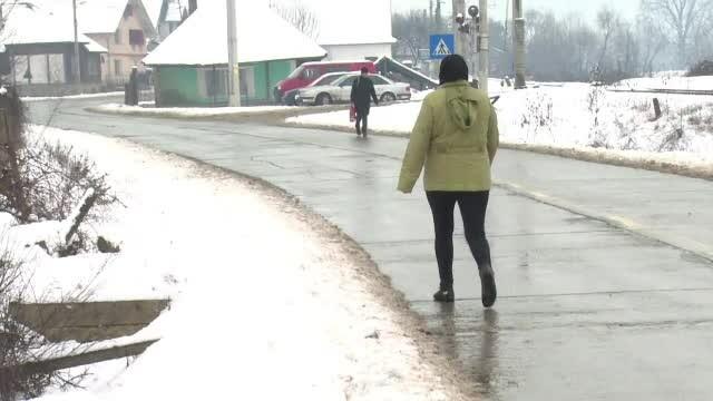 Patru elevi, loviți de o mașină în localitatea din România fără trotuare