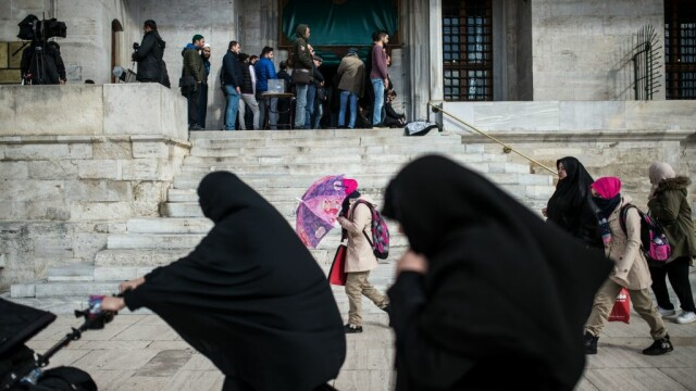 Reformă în Arabia Saudită. Femeile pot călători în afara ţării fără permisiunea unui bărbat