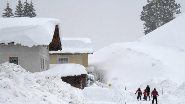 Ger în Europa: 13 morți. Zăpadă de 3 metri în Austria