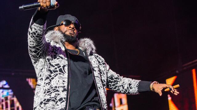 Prima reacție a lui R. Kelly, acuzat de abuzuri sexuale. Starul R&B, în lacrimi. VIDEO - Imaginea 2