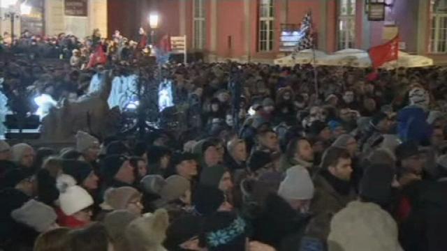 Proteste în Polonia după decesul primarului din Gdansk. Donald Tusk, la manifestări