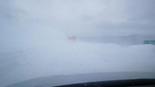 Imagini apocaliptice pe Transalpina. Vântul a atins 100 de km/h. VIDEO