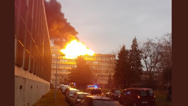 Explozii în campusul Universității din Lyon. 3 persoane intoxicate cu fum. VIDEO
