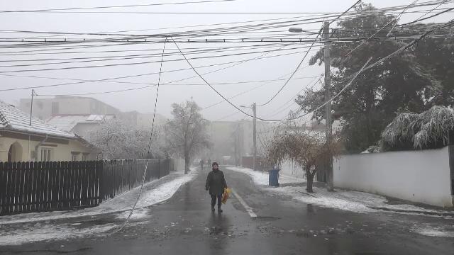 Localități lăsate pe întuneric de ploaia înghețată. Zona în care nu a fost curent 3 zile