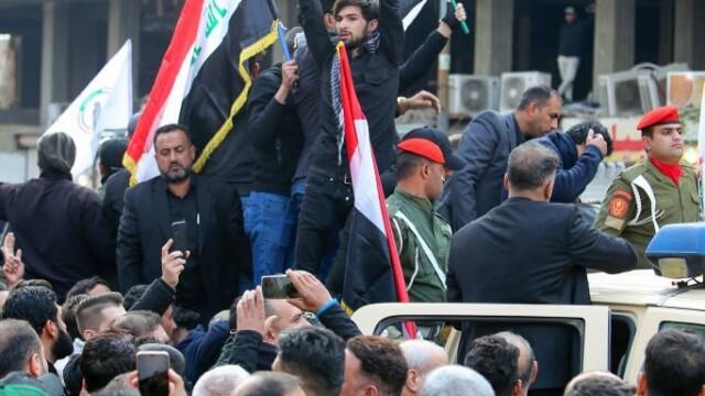 Mii de irakieni l-au omagiat pe Soleimani, la Bagdad. Unde va fi înhumat generalul - Imaginea 5