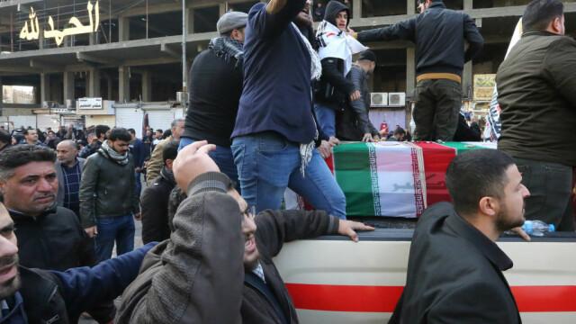 Mii de irakieni l-au omagiat pe Soleimani, la Bagdad. Unde va fi înhumat generalul - Imaginea 3