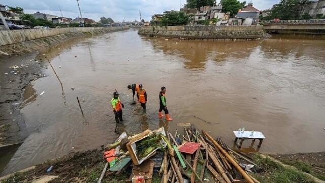 Inundații grave în Indonezia, în zona capitalei. Cel puțin 53 de persoane au murit - Imaginea 7